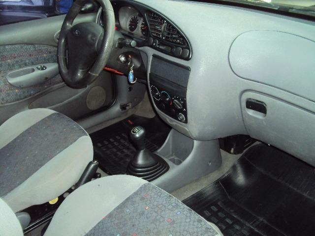 Fiesta Hatch Class 1.0 8v Zetec 2001 4 Ptas - Direção Hidr - Conj. Elétrico - Confira.! - Foto 11
