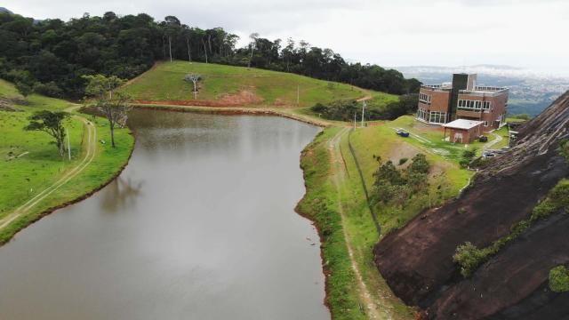 Área de 20 mil m², Escriturada, na Linda Fazenda Serra da Risca. Valores variáveis conform - Foto 4