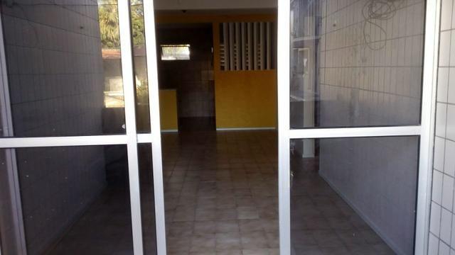 Aluga-se apartamento térreo na Tabuba - Foto 4