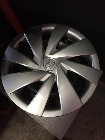 Vendo 04 rodas aro 14 Toyota Etios com calotas originais