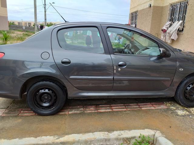 Vendo ou troco Peugeot sedã