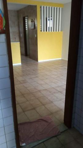 Aluga-se apartamento térreo na Tabuba - Foto 14