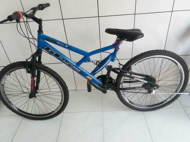 Barbada! bicicleta semi nova aro 26!!! - Foto 2