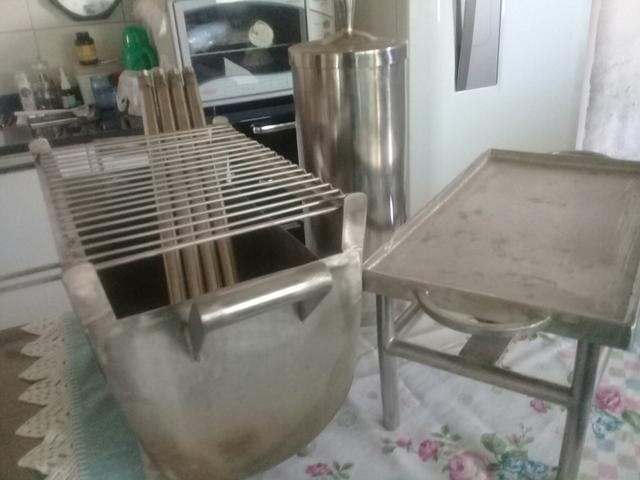 Conjunto 3x1 churrasqueira chopeira e chapa inox - Foto 2