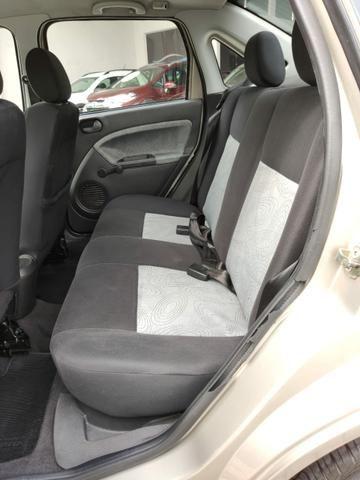 Ford Fiesta Sedan  - Foto 12