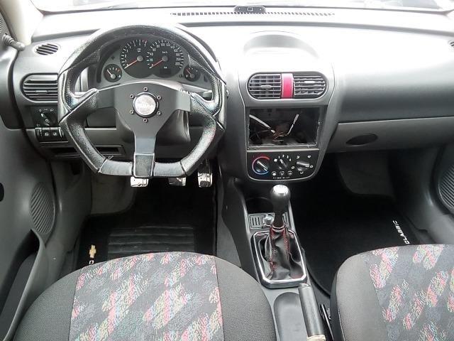 Corsa Hatch 1.0 - Foto 7