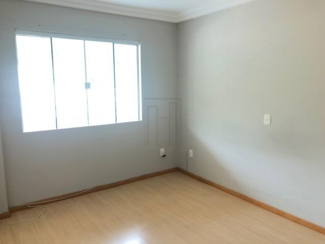 Suíte mais dois dormitórios e duas vagas de garagem lateral - Foto 5