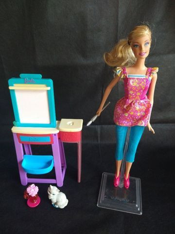 Barbie Pintora