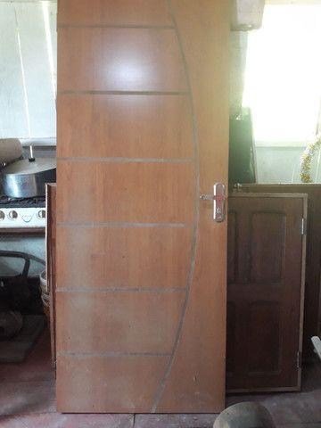 Vende-se tabiques,pernamancas,ripão,porta janelas completa  madeira de uma casa completa  - Foto 3