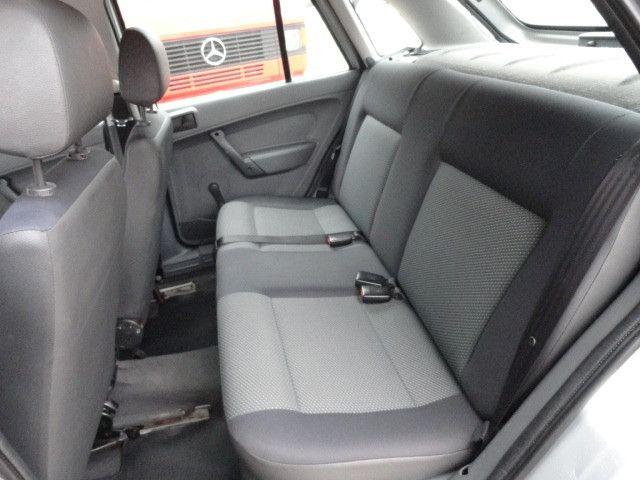 VW Gol 1.0 2011/2012 com ar condicionado - Foto 14