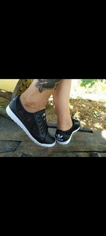 Vendo sapatênis Adidas e schutz ( 100 com entrega) - Foto 3