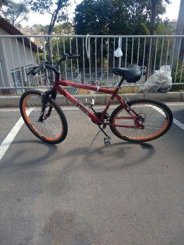 Bicicleta aro 26 semi nova - Foto 2