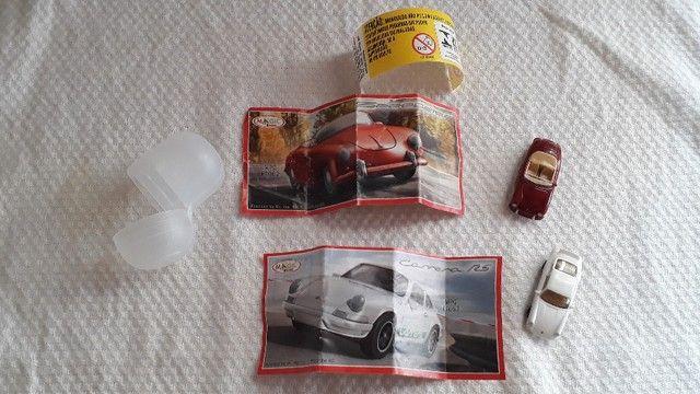 Jogo Kit de Carrinhos Porsche Colecionáveis Kinder Ovo modelos: Speedster e Carrera RS - Foto 4