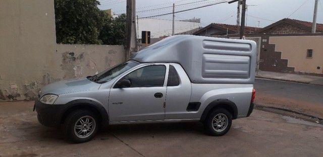 vendo montana gm bem cuidada, pneus novos, baú novinho na garantia, pronta para trabalhar.
