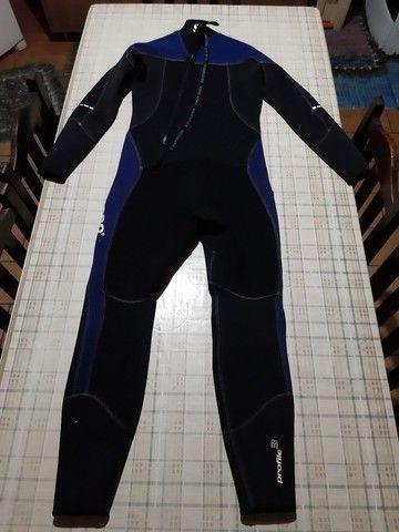 Roupa de mergulho 3mm 500 reais  - Foto 2