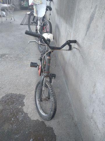 Vende-se ou  troca bicicleta aro 16 em outra bicicleta  - Foto 4