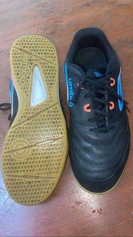 Chuteira Futsal TAM 42 valor negociável - Foto 4