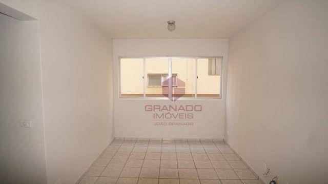 Apartamento com 3 dormitórios para alugar, 70 m² por R$ 1.300,00/mês - Zona 07 - Maringá/P - Foto 2
