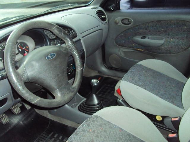 Fiesta Hatch Class 1.0 8v Zetec 2001 4 Ptas - Direção Hidr - Conj. Elétrico - Confira.! - Foto 3