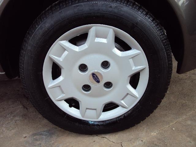 Fiesta Hatch Class 1.0 8v Zetec 2001 4 Ptas - Direção Hidr - Conj. Elétrico - Confira.! - Foto 13