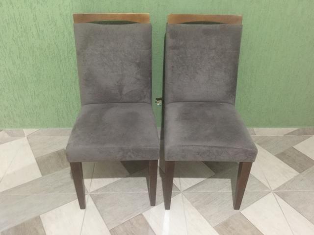 Cadeira em suede amassado
