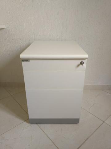 Bancada de trabalho MDF branco + cadeiras de escritório+ móvel arquivo - Foto 5