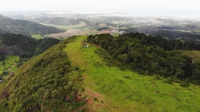 Área de 20 mil m², Escriturada, na Linda Fazenda Serra da Risca. Valores variáveis conform - Foto 2