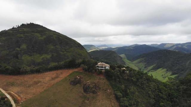Área de 20 mil m², Escriturada, na Linda Fazenda Serra da Risca. Valores variáveis conform - Foto 11