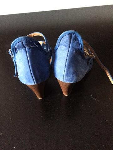 Sandália 35 camurça azul linda - Foto 2