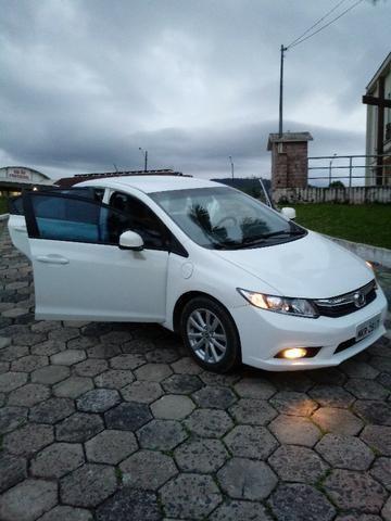 Honda Civic Lxs 1.8 Branco - Baixo KM - Foto 2