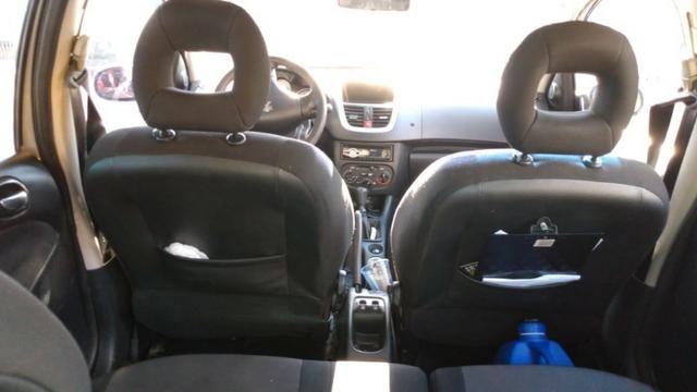 Vendo Peugeot 207 - Completo Ano 2010 - Foto 3