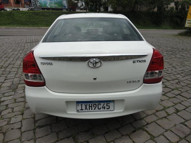 Toyota Etios impecável - Foto 14