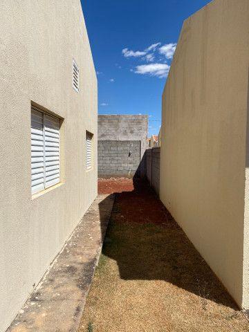Vende se casa em Condomínio Fechado na região do Portal Shopping saída pra inhumas - Foto 4
