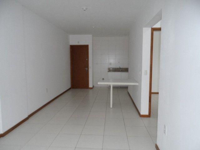 620 - Apartamento com Sacada para Alugar no Jardim Cidade de Florianópolis! - Foto 3