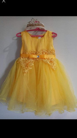Vestido de festa +tiarinha coroa Tam 12 à 24
