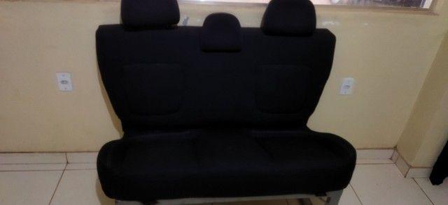 Vendo sofá feito de banco de carro  - Foto 3