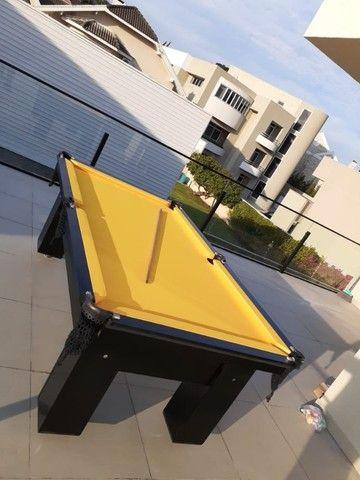 Mesa de Bilhar Charme Preta Tx Tecido Amarelo Modelo HFS6548