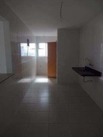 Apartamento de 3 quartos sendo 1 suítes com 2 vagas de garagens soltas - Foto 10