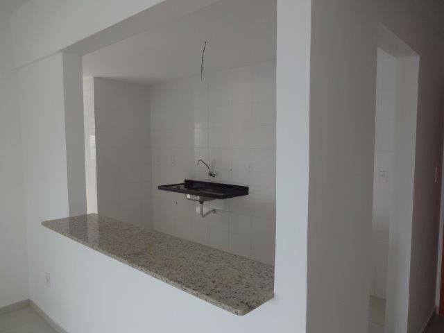 Apartamento de 3 quartos sendo 1 suítes com 2 vagas de garagens soltas - Foto 13