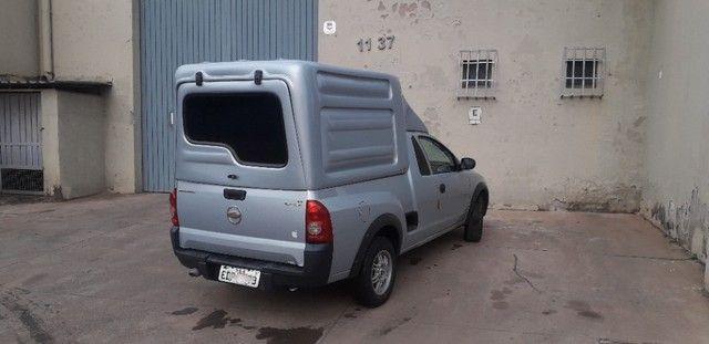 vendo montana gm bem cuidada, pneus novos, baú novinho na garantia, pronta para trabalhar. - Foto 3
