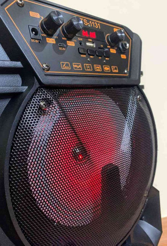 Caixa de som super potente c/ microfone e controle - Foto 5