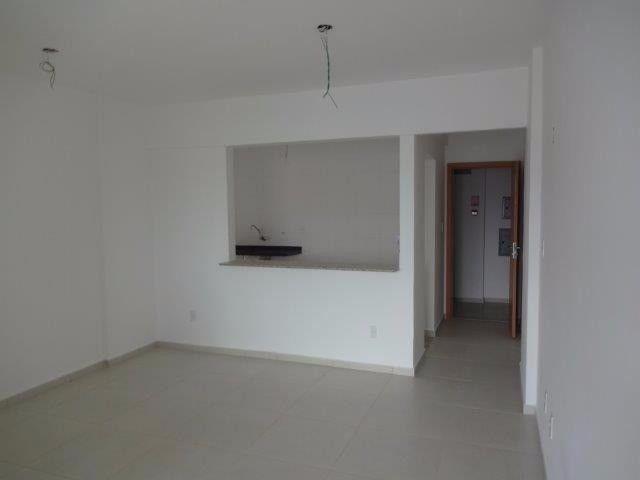 Apartamento de 3 quartos sendo 1 suítes com 2 vagas de garagens soltas - Foto 15
