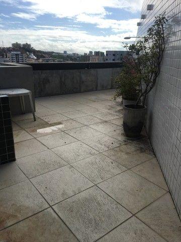 Vende-se excelente cobertura Garden com três quartos sendo uma suíte. - Foto 4