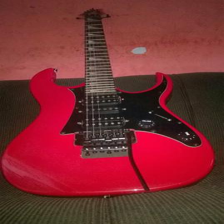 Memphis com micro afinação, excelente guitarra em perfeito estado! aproveitem a promoção!