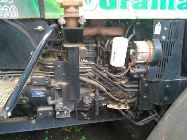 Trator NEW HOLLAND ano 2010 4x4