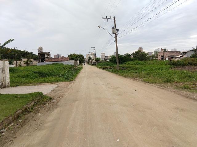Terreno pronto para construir, rua sera asfaltada!!! Morretes Itapema - Foto 2