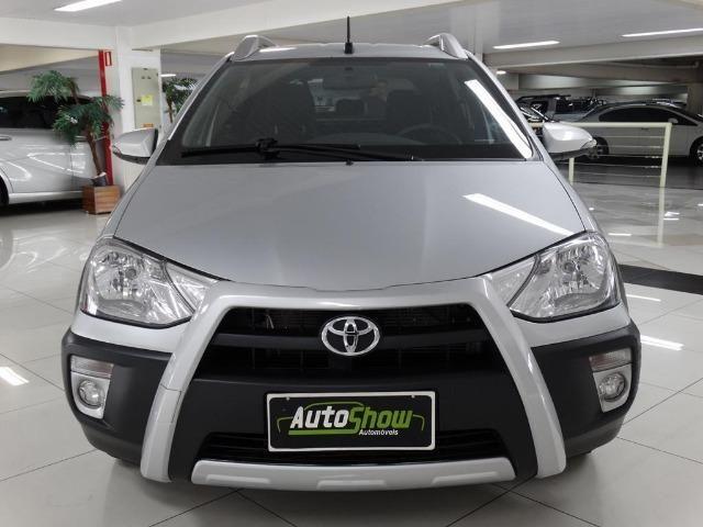 Toyota Etios Cross 1.5 Flex Prata - Foto 2