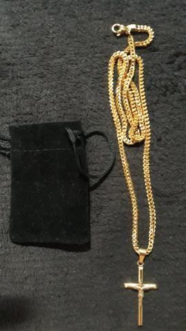 Cordão com crucifixo banhado a ouro 18k - Foto 4
