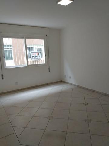 Vende-se apartamento central de 1 dormitório com garagem, Pelotas - Foto 8