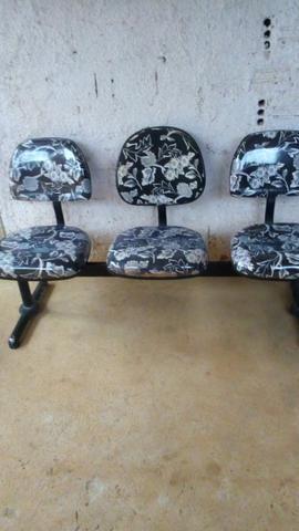 Vendo essas cadeiras de espera - Foto 2